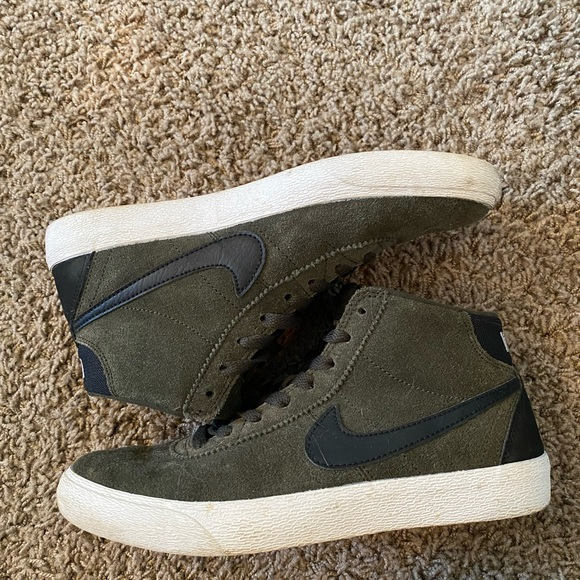 Nike Mid sneakers. Size 7.5